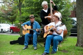 members of Django Libre entertain