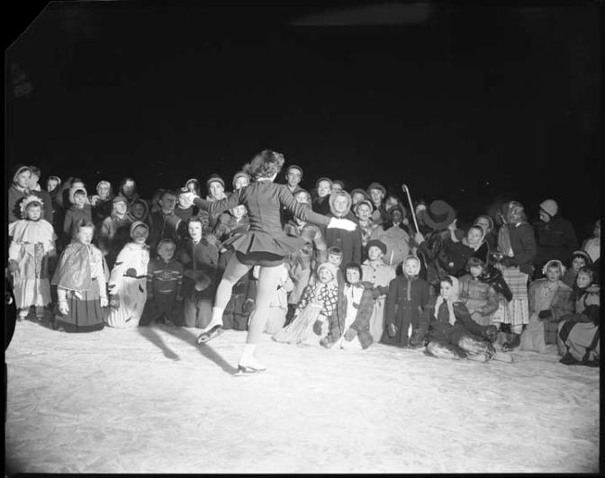 Laroche Park winter carnival, January 19, 1956. Photo courtesy of the City of Ottawa archives.