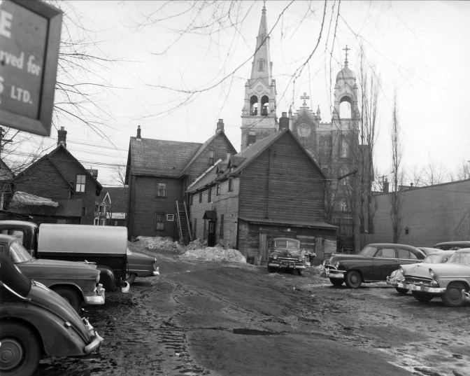 Hintonburg's longest operating hotel and tavern, Byers Hotel. Unfortunately it's taken from behind, but its a cool view with the St Francois D'Assisi Church in the background. The photo is from 1960, just before demolition. It had been open since the early 1880s and was known as Hintonburgh House, at 1033 Wellington St. Photo courtesy of Ottawa Archives CA-20740.