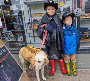 Avelyn and Reve with Jewel the (hot) dog.