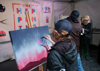 The artist throwdown event attracted a solid-crowd in spite of the dreary weather. In the end, painter Daniel Martelock was the victor.